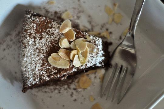 ThankFifi-Aubergine-Chocolate-Cake-12