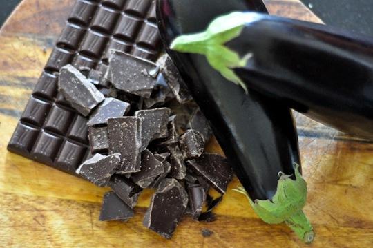 ThankFifi-Aubergine-Chocolate-Cake-2
