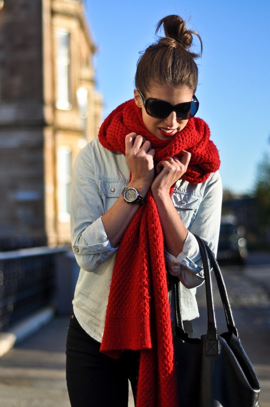 Thankfifi-Gap-Scarf-4