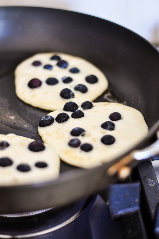 Thankfifi- Super skinny blueberry pancakes-3