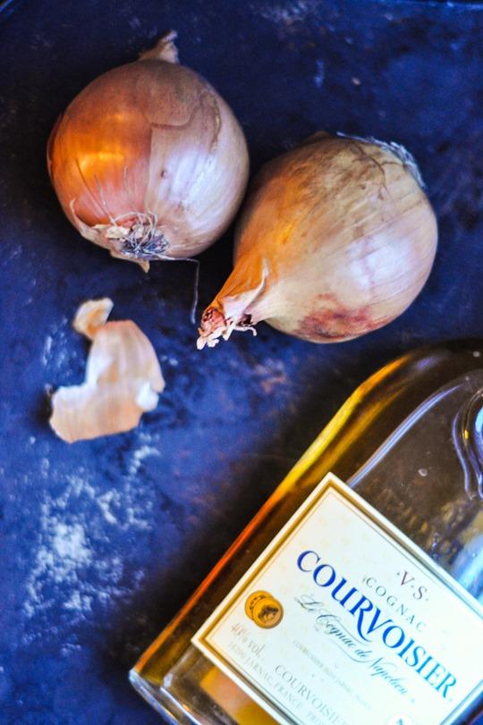 Thankfifi- Soupe a l'oignon (et cognac)