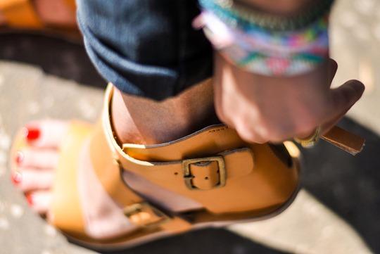 Thankfifi- Hello toes-15