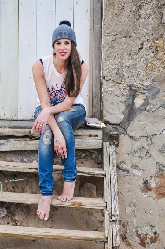 Thankfifi- 7 For All Mankind Tiwi jeans - distressed denim on Elie beach-2-2