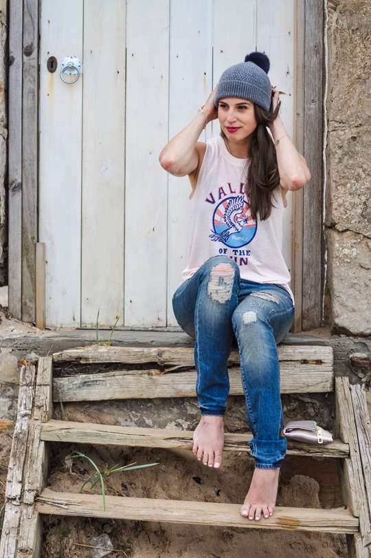 Thankfifi- 7 For All Mankind Tiwi jeans - distressed denim on Elie beach-5
