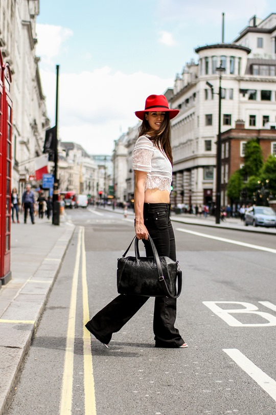 Thankfifi- A red fedora on the streets of London-10