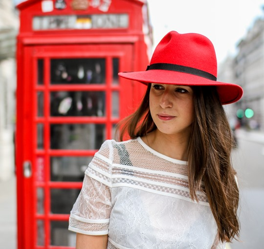 Thankfifi- A red fedora on the streets of London-11