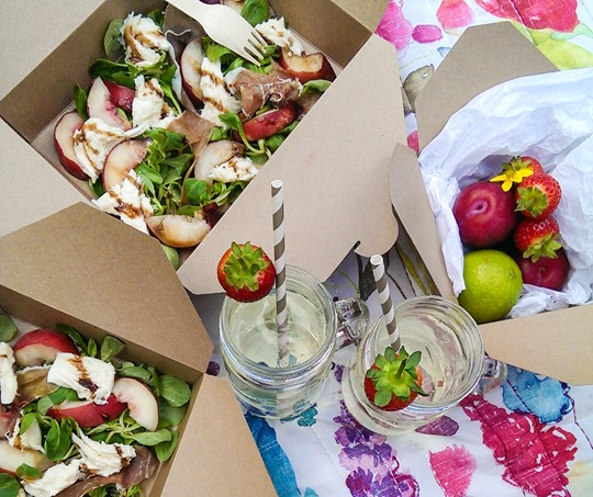 Thankfifi- Fashion blogger picnic - Castaway drink in Kilner jars & stripey straws-2-2