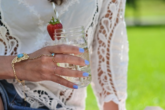 Thankfifi- Fashion blogger picnic - Castaway drink in Kilner jars & stripey straws-22