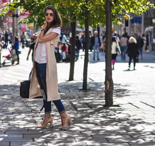 Thankfifi- Missguided being sleeveless trench coat - fashion blogger streetstyle-5