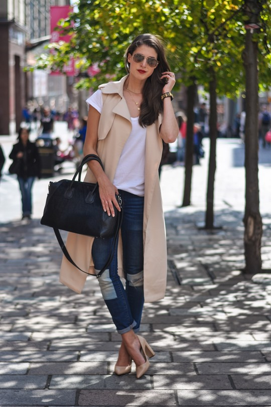 Thankfifi- Missguided being sleeveless trench coat - fashion blogger streetstyle