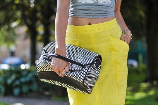 Thankfifi- Yellow front split pencil skirt streetstyle-6