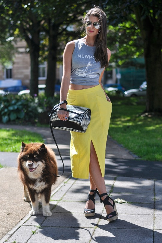 Thankfifi- Yellow front split pencil skirt streetstyle
