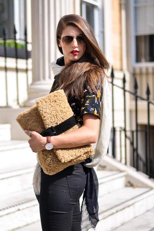 Thankfifi- DIY shearling clutch - fashion blogger streetstyle-3