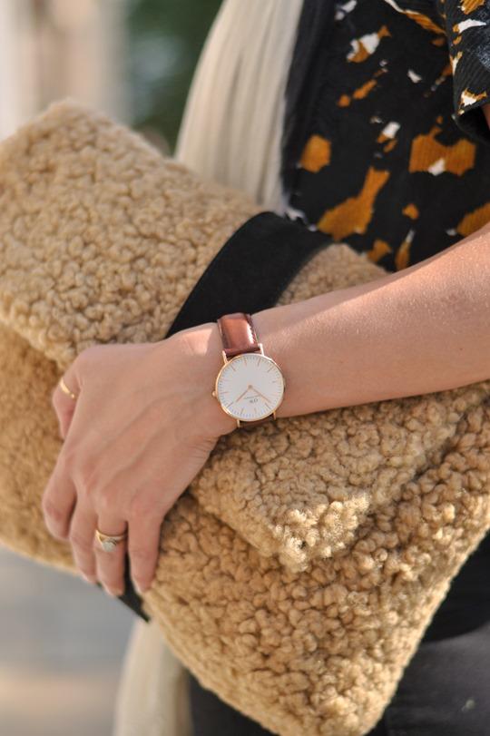Thankfifi- DIY shearling clutch - fashion blogger streetstyle-6