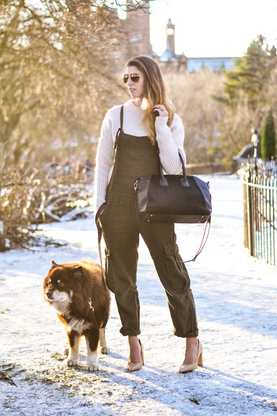 Thankfifi- Khaki overalls - fashion blogger street style in the snow-3
