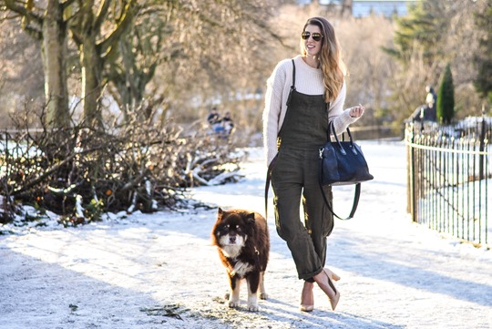 Thankfifi- Khaki overalls - fashion blogger street style in the snow-4