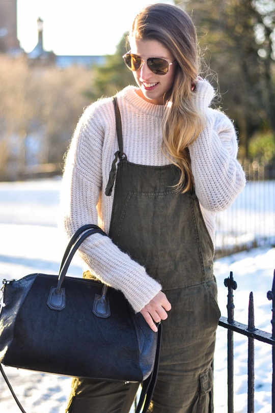 Thankfifi- Khaki overalls - fashion blogger street style in the snow-5