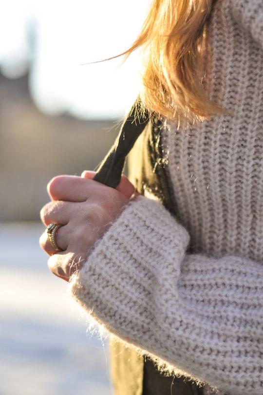 Thankfifi- Khaki overalls - fashion blogger street style in the snow-8