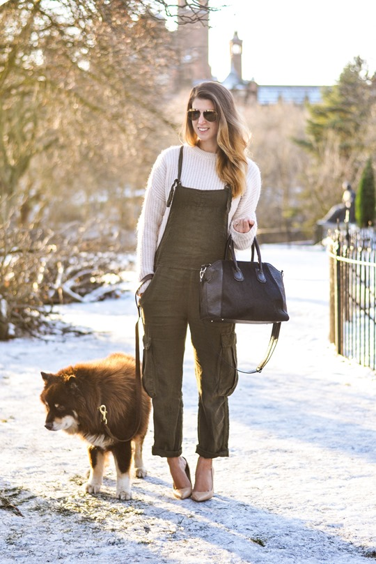 Thankfifi- Khaki overalls - fashion blogger street style in the snow