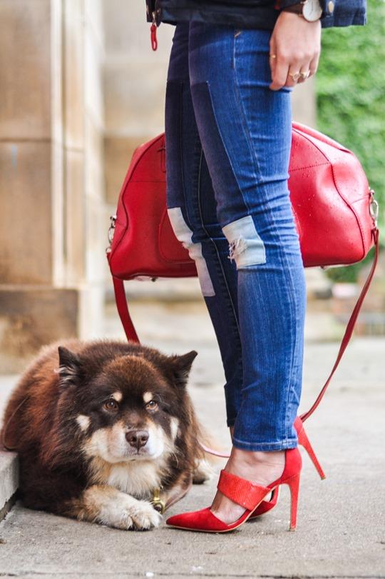 Thankfifi- Weekend mini break style in Boden wax jacket red leather weekend bag-11