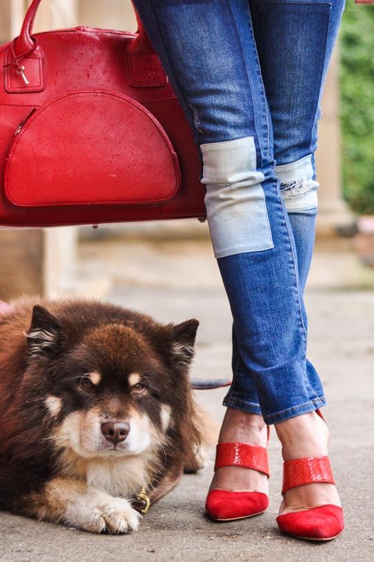 Thankfifi- Weekend mini break style in Boden wax jacket red leather weekend bag-12