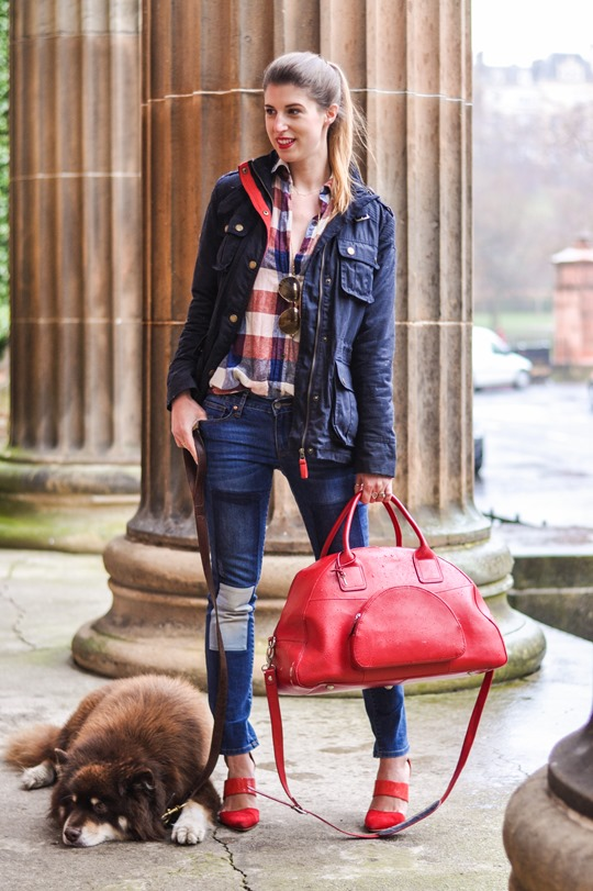 Thankfifi- Weekend mini break style in Boden wax jacket red leather weekend bag-2