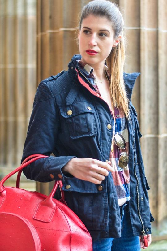 Thankfifi- Weekend mini break style in Boden wax jacket red leather weekend bag-8