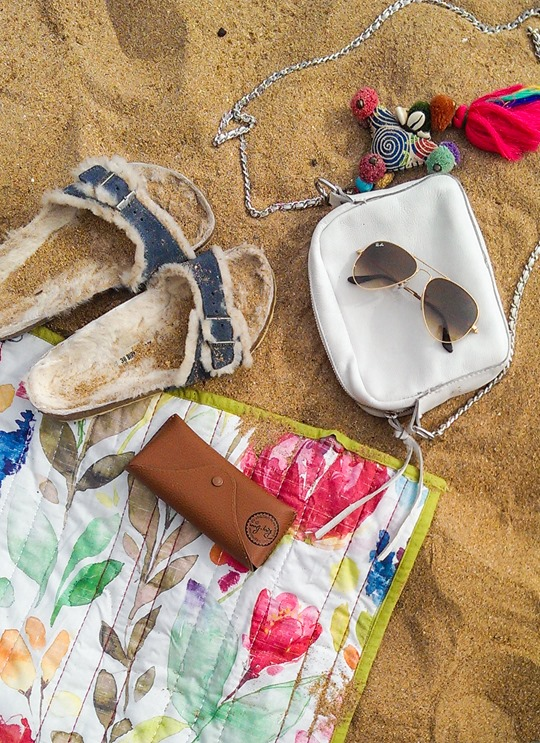 Thankfifi- Beach essentials - shearling Birks & Ray ban aviators-2