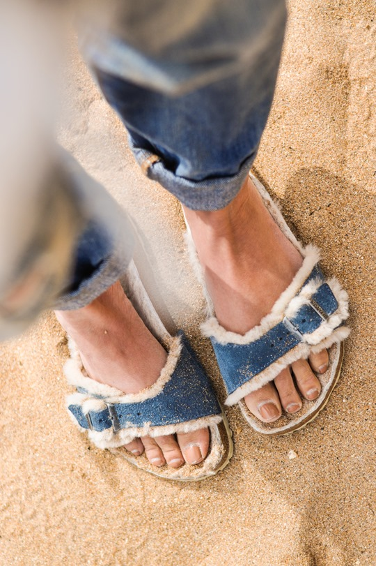 Thankfifi- Shearling Birkenstock - fashion blogger beach style