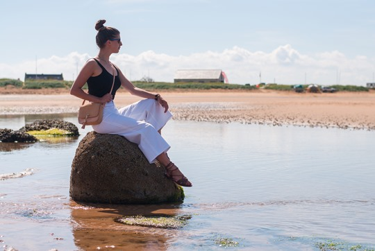 Thankfifi- J.Crew Raynor white culottes jeans on beautiful Elie beach, Scotland-7