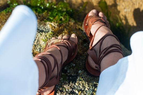 Thankfifi- J.Crew Raynor white culottes jeans on beautiful Elie beach, Scotland-8