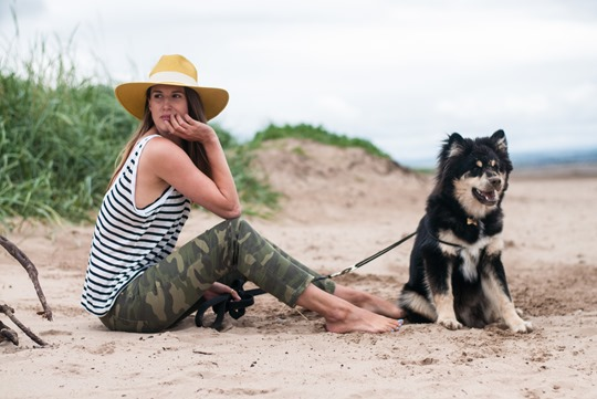 Thankfifi- Troon beach, Scotland - T by Alexander Wang stripe tank & Reiss yellow fedora-7