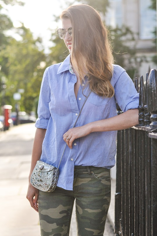 Thankfifi- Camo jeans & metal box clutch - fashion blogger street style-8