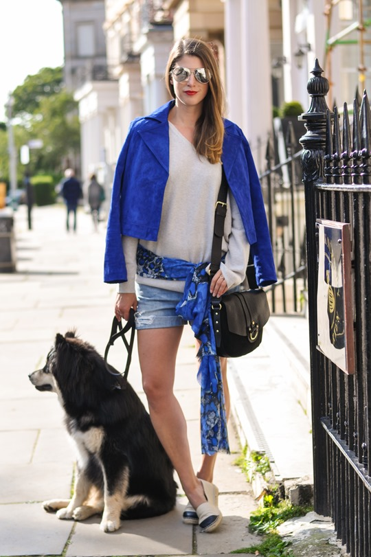 Thankfifi- Travel style in Mango cobalt blue suede jacket