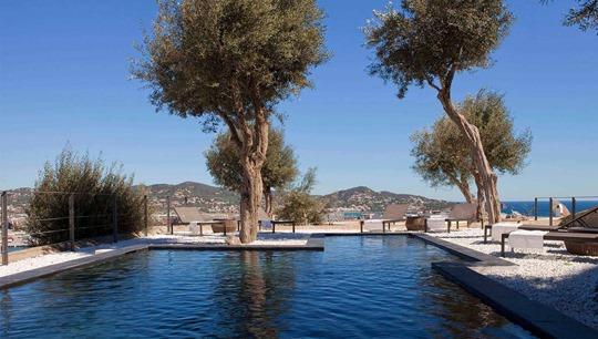 Thankfifi- La Torre Del Calnonigo, Ibiza old town pool - boutique luxury review