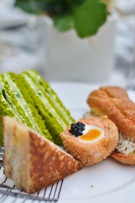 Thankfifi_Mad-Hatters-Afternoon-Tea_The-Sanderson-London-9