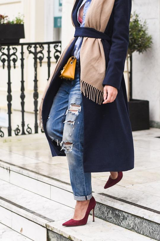American Eagle ripped boyfriend jeans - winter layers by Thankfifi, a Scottish fashion blog-18