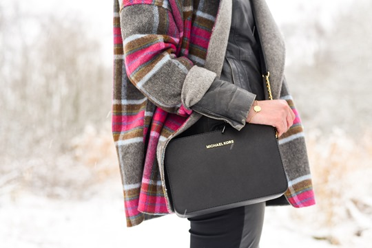 Thankfifi- Boden Zoe coat & Michael Kors Jet Set black bag, Mugdock country park-10
