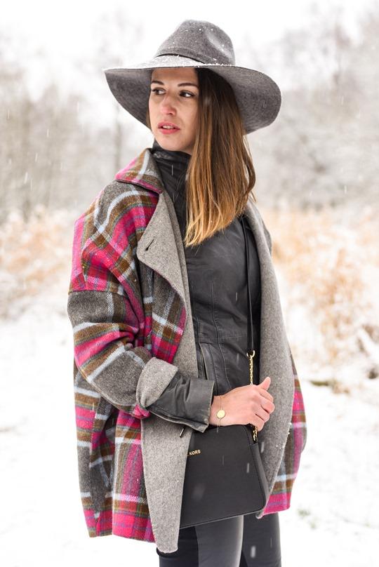 Thankfifi- Boden Zoe coat & Michael Kors Jet Set black bag, Mugdock country park-7