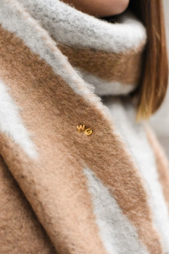 Astley Clarke gold alphabet pins - Thankfifi