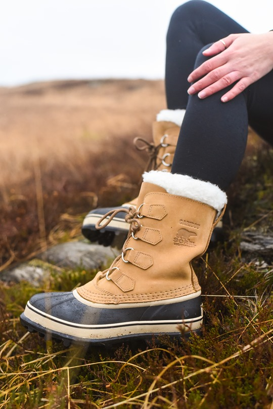 Hiking Scotland in Sorel Caribou boots - Thankfifi-11