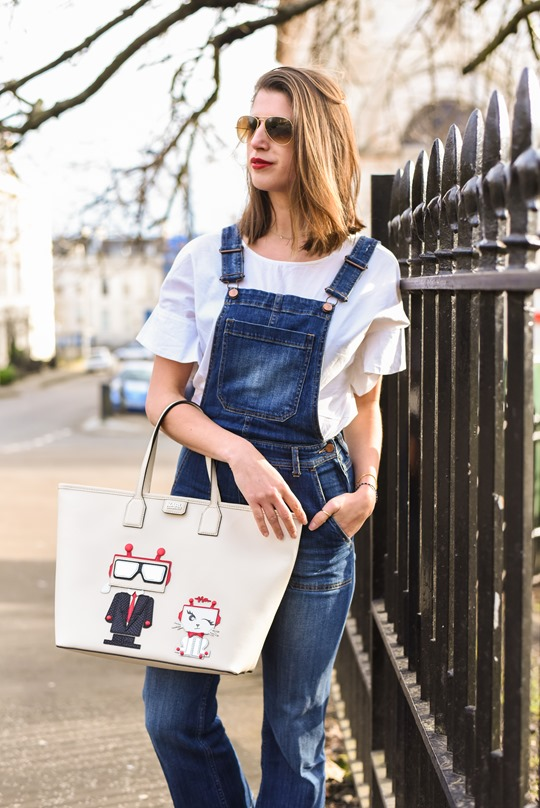 Karl Robot shopper bag & H&M Trend cropped overalls - Thankfifi street style-6