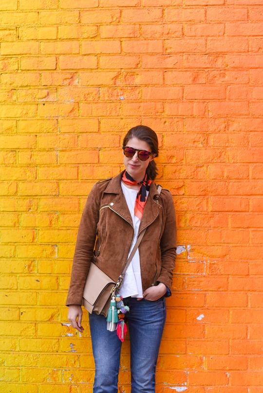 Ombre rainbow grafitti wall, Dumbo, Brooklyn - Thankfifi travel style-4