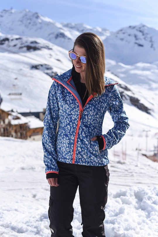 Chiemsee leopard soft shell & Le Specs no smirking sunglasses - Thankfifi in Val Thorens
