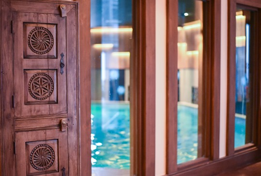 Le Hameau du Kashmir, luxury pool and spa, Val Thorens - Thankfifi