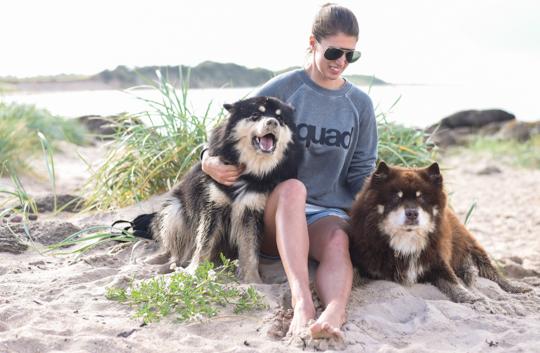 American Eagle squad sweatshirt - Thankfifi Scottish travel blog-4