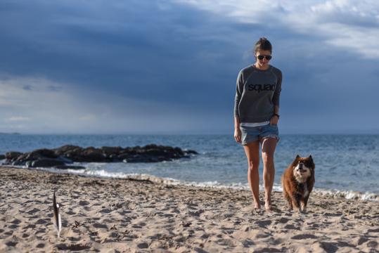 American Eagle squad sweatshirt - Thankfifi Scottish travel blog-5