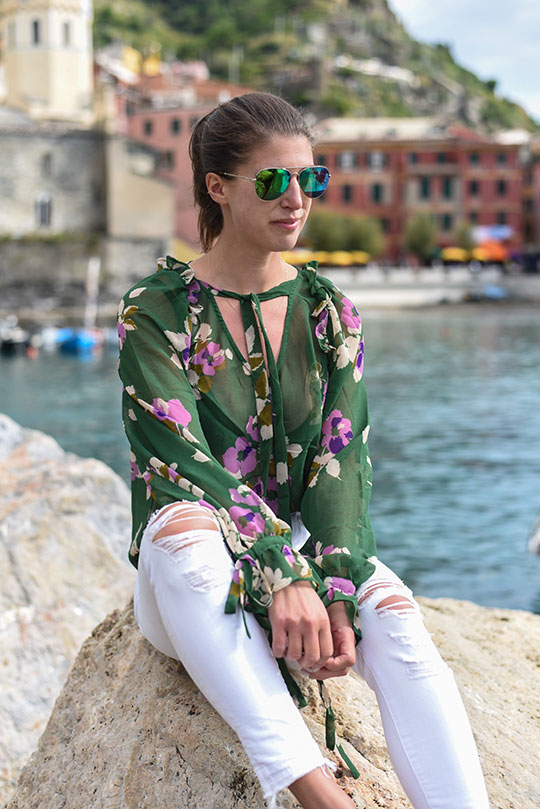 asos-green-floral-ruffle-blouse-vernazza-harbour-thankfifi-scottish-travel-blog-3