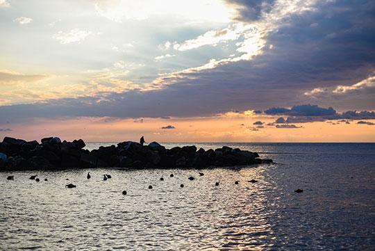 riomaggiore-at-sunset-cinque-terre-day-trip-travel-guide-thankfifi-scottish-travel-blog-2