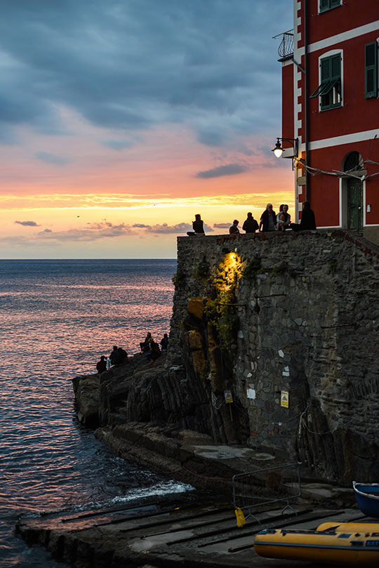 riomaggiore-at-sunset-cinque-terre-day-trip-travel-guide-thankfifi-scottish-travel-blog-4